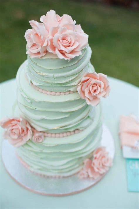 25  best ideas about Mint green cakes on Pinterest