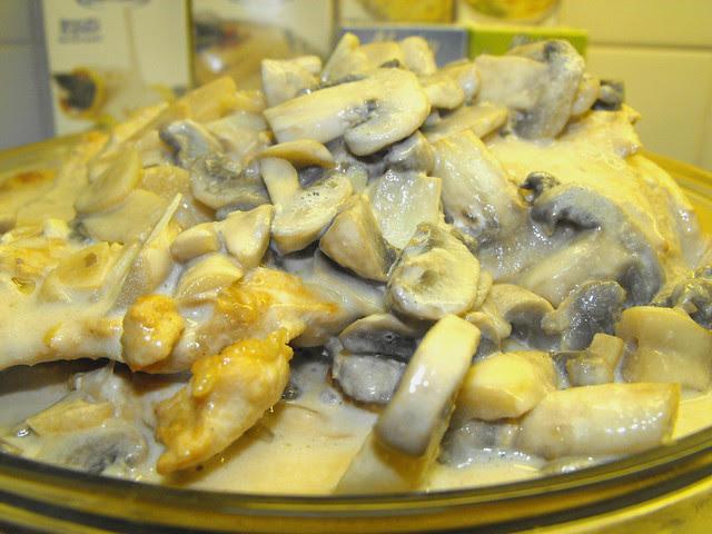 Bifes de perú com natas com cogumelos Porcini