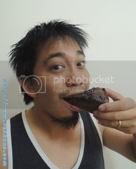 photo 09EatingChocolateCakeThatWifeyBaked_zps770f1936.jpg