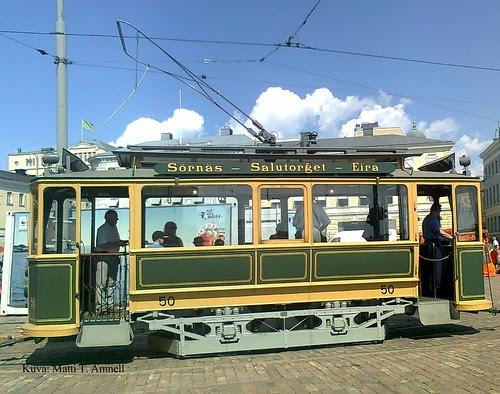 Raitiovaunulla Helsingissä by Anna Amnell