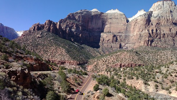 coming down from Zion-Mt. Carmel tunnel
