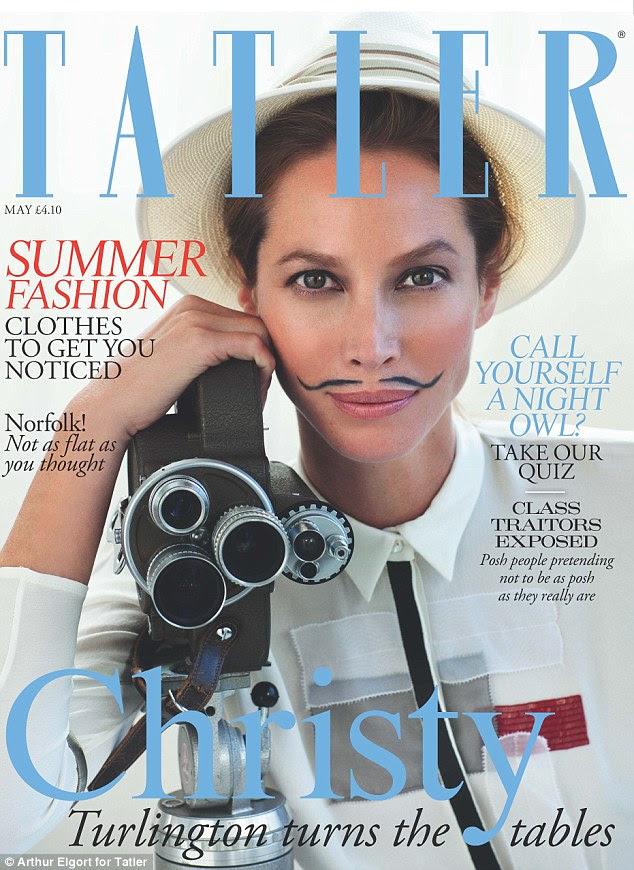 Surpresa: Supermodel Christy Turlington aparece na edição de maio da revista Tatler, em uma incomum assumir figurino andrógino