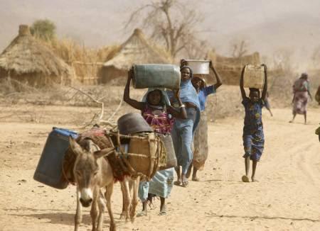 http://referentiel.nouvelobs.com/file/238306-le-soudan-bloque-des-vivres-destines-au-darfour.jpg
