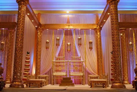 Dulhan Mandap   Toronto Indian Wedding and Reception Décor