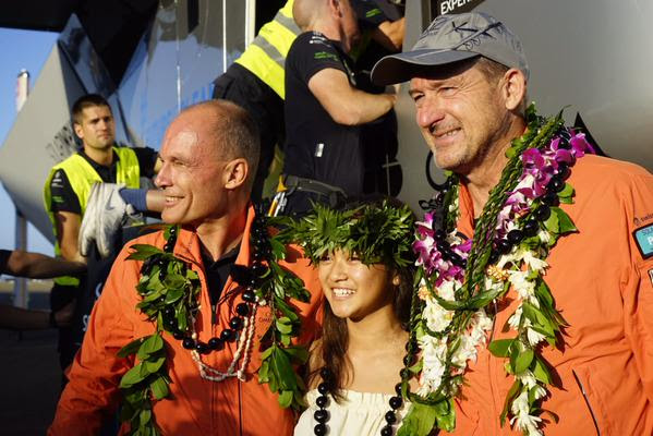 Solar Impulse chegou no Hawaii (6)
