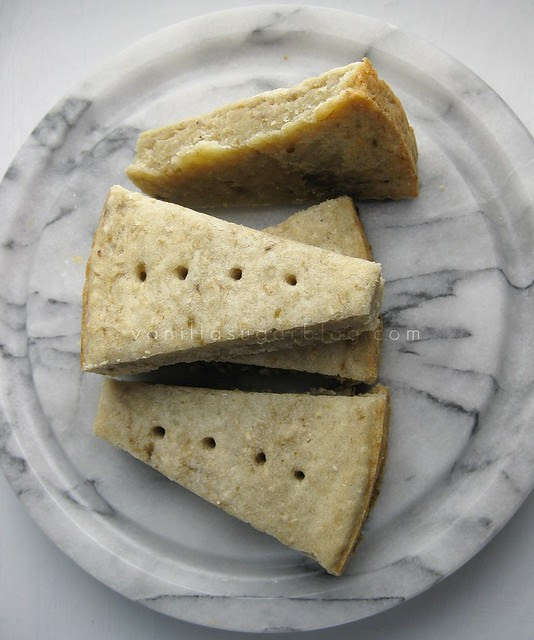 banana shortbread