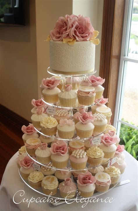 Wedding Cupcakes make the perfect wedding bonbonniere