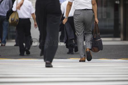 通行人の写真イラスト素材 写真素材ストックフォトの定額制ペイレス