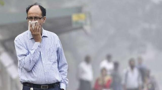 पंजाब-हरियाणा में पराली जलने से दिल्ली में घुटने लगा दम, हवा हुई और खराब