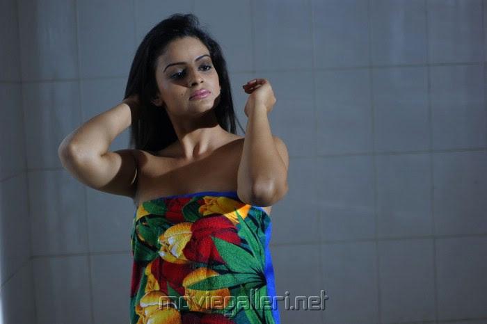 Hot Anuhya Reddy in Kullu Manali Movie