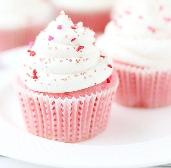 t-okimeki:  (Pink Velvet Cupcakes)