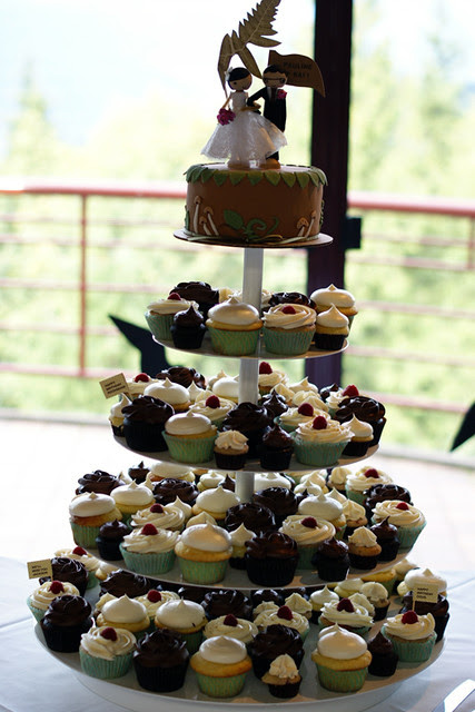 cupcakes! lemon, raspberry and dark chocolate