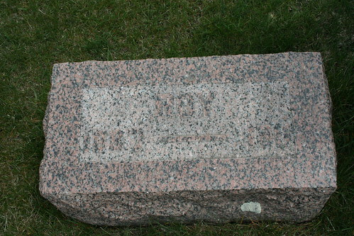 Tombstone of Roy Fowlie