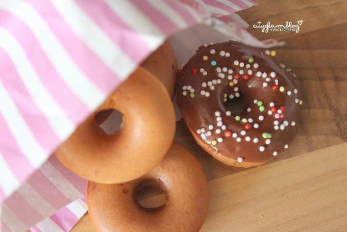 http://i402.photobucket.com/albums/pp103/Sushiina/cityglam/donut3.jpg
