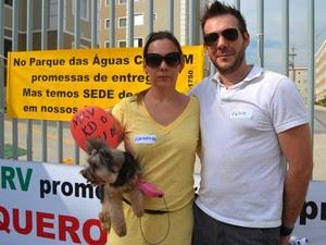 Casal de Campinas se conheceu durante protestos por causa de atraso na entrega de apartamentos em Campinas (Foto: Fernando Pacífico/G1 Campinas)