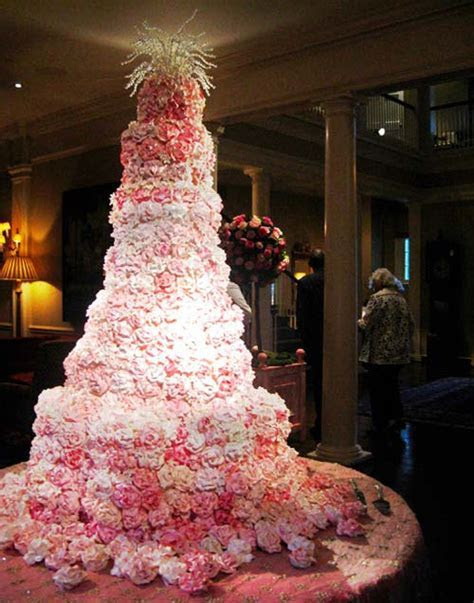 Expensive Wedding Cakes for Extravagant Brides!