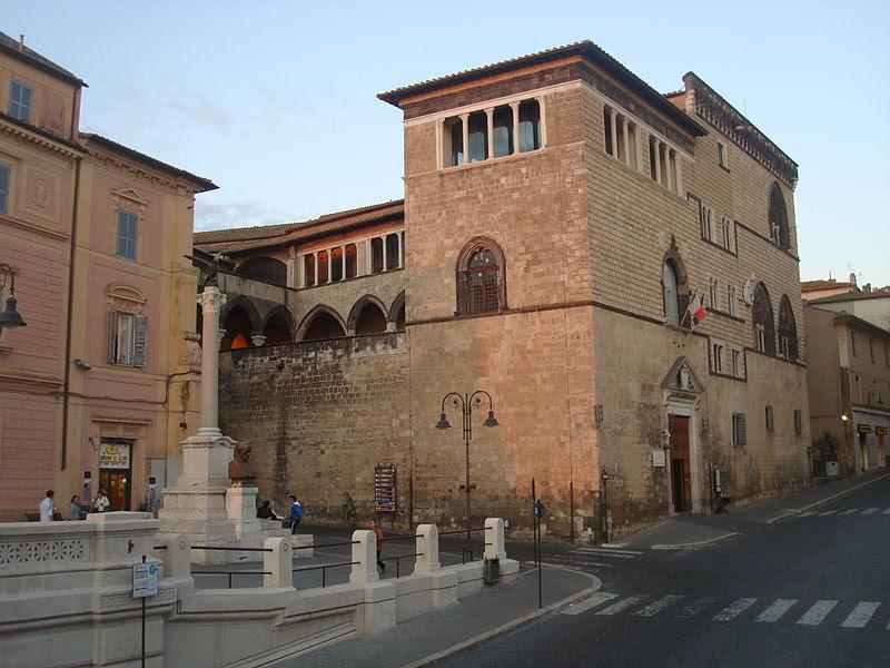 Fil: Palazzo Vitelleschi Museo Archeologico Nazionale - Tarquinia 03.JPG