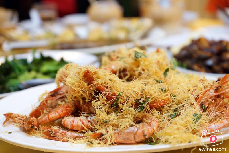 PANTAI-SEAFOOD-KAYU-ARA-pranws-butter