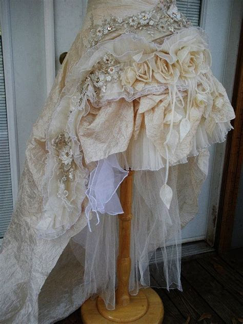 17 Best ideas about Victorian Wedding Dresses on Pinterest