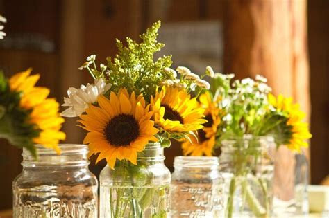 low cost rustic backyard reception ideas   This gorgeous