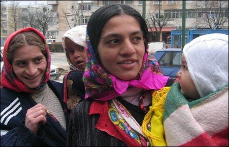 Roma women in Romania