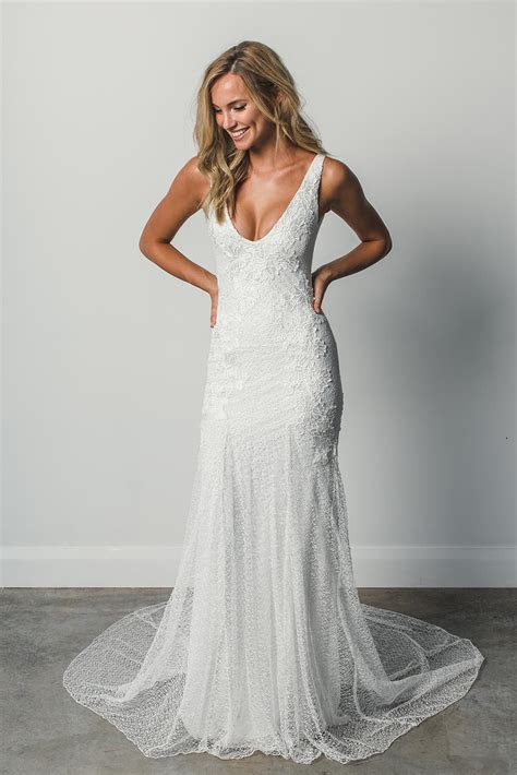 Shop Dominique   Lace Wedding Gowns & Accessories   GLL