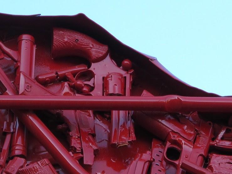 Heart of guns detail