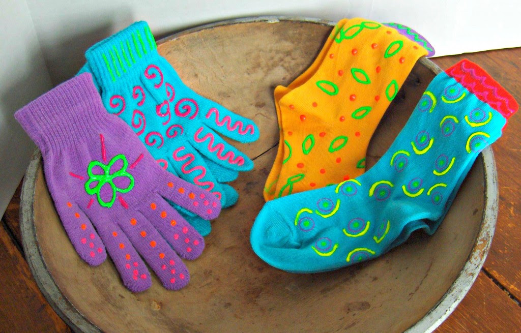 Turning dollar store socks and gloves into adorable holiday gifts with iLoveToCreate and Tulip Neon Dimensional Fabric Paints at CreativeCynchronicity.com