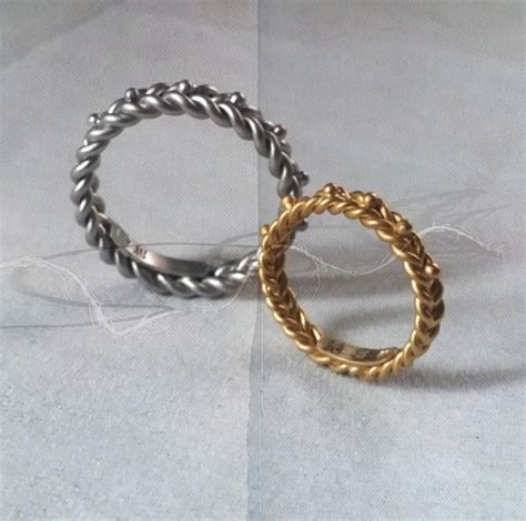 SIJS Wheatsheaf Gold Plaited Ring   Singapore Island
