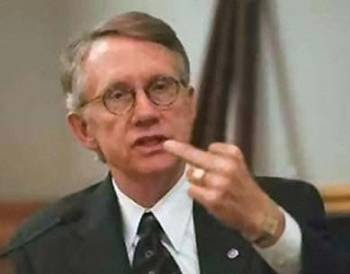 http://static.westernjournalism.com/wp-content/uploads/2009/11/harry_reid_flips_the_bird.jpg