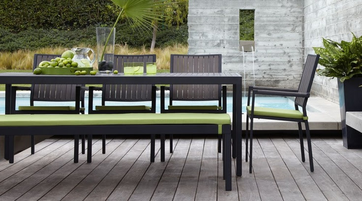 YES PLEASE! Love this outdoor dining set.... the grey and the kiwi-color.. perfect!