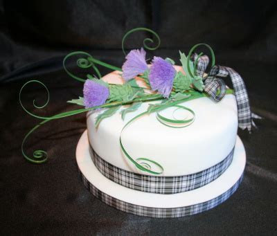Special Day Cakes: Special Cakes For Romantic Scottish Wedding