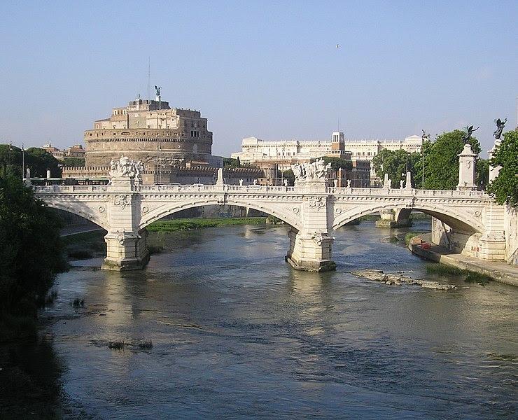 Fil: Victor Emanuel II Bridge, Rom, Italien-2.jpg