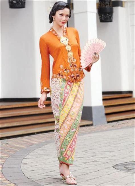 images  sarong kebaya  pinterest
