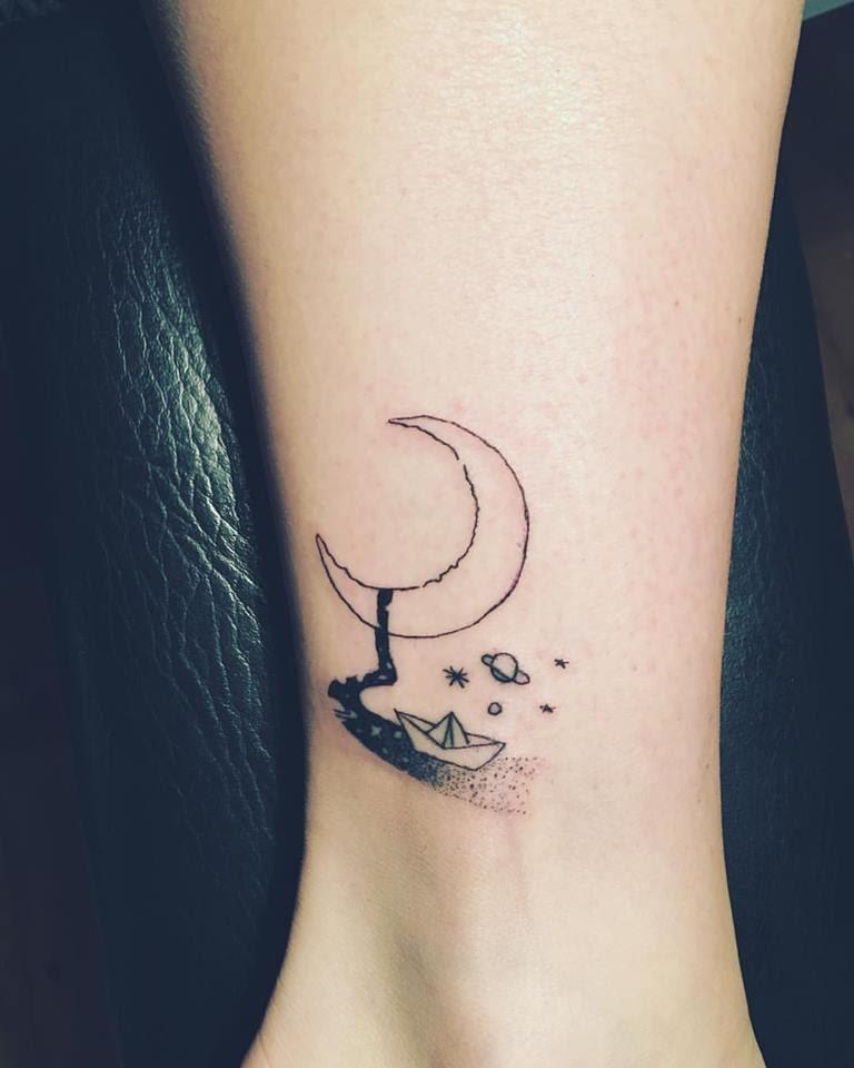 50+ Cool Minimalist Tattoo For All Who Love Mini Motifs
