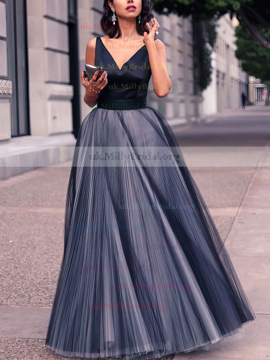 http://uk.millybridal.org/product/princess-v-neck-tulle-floor-length-with-pleats-new-style-prom-dresses-ukm020102454-17355.html?utm_source=minipost&utm_medium=2124&utm_campaign=blog