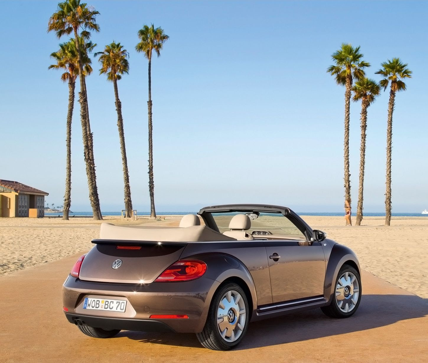"""Volkswagen Beetle Cabriolet """"60s Edition"""" And """"70s Edition"""