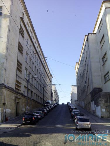 Rua entre as faculdades no Polo 1 da Universidade de Coimbra [en] Street between the faculties at the Polo 1 of the University of Coimbra
