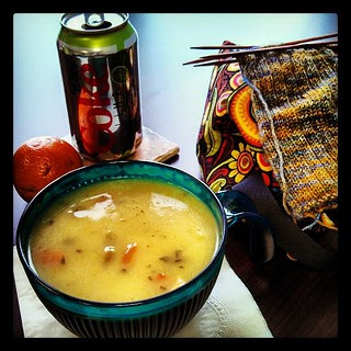 It's from a can, but pretty good! Light Chicken Pot Pie #soup and #knitting for #lunch #dietcoke