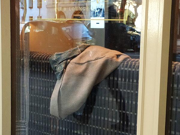 tweed sur canapé