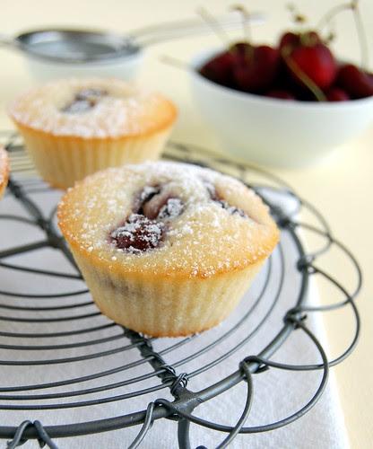 Cherry friands / Friands de cereja
