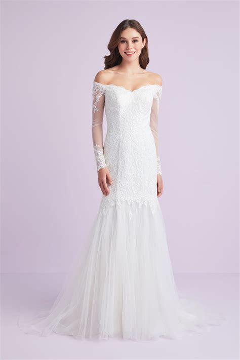 Long Sleeve Off Shoulder Plus Size Wedding Dress 9WG3943