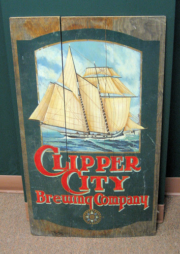 Clipper sign
