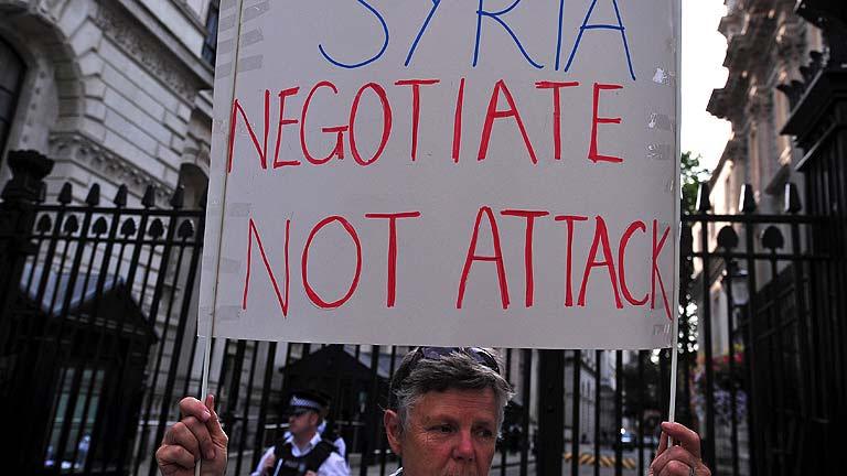 La comunidad internacional frena el ataque a Siria