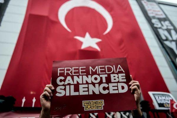 Turkey free press protest 900 810x539