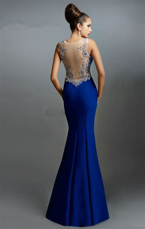 How to find suitable Backless Gown   24 Dressi