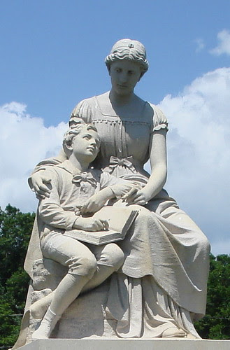 Milner Sculpture by midgefrazel