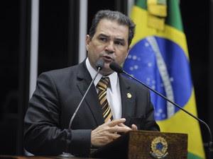 O senador Eduardo Lopes (PRB-RJ) (Foto: Lia de Paula/Agência Senado)