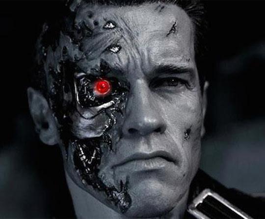 ¿Qué es el transhumanismo? Pretende mejorar al ser humano, perfeccionarlo y llevarlo más allá del momento presente a través de la tecnología.