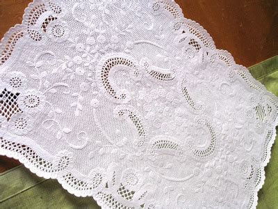 The Everyday Bride: an eyelet and doily inspired wedding